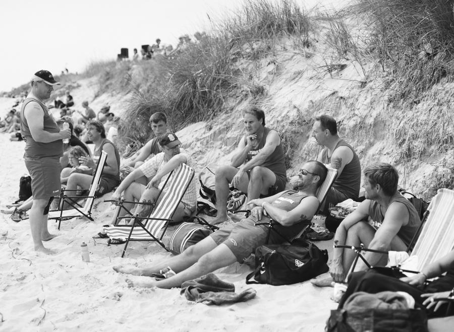 Publik vid beachfotboll på Borrby strand.