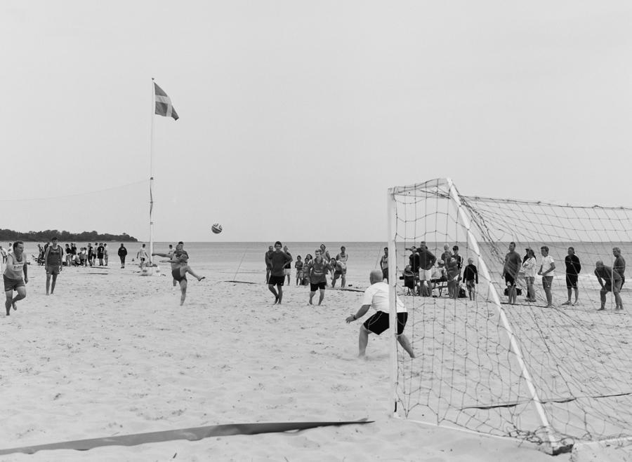 Beachfotboll på Borrby strand, Österlen.