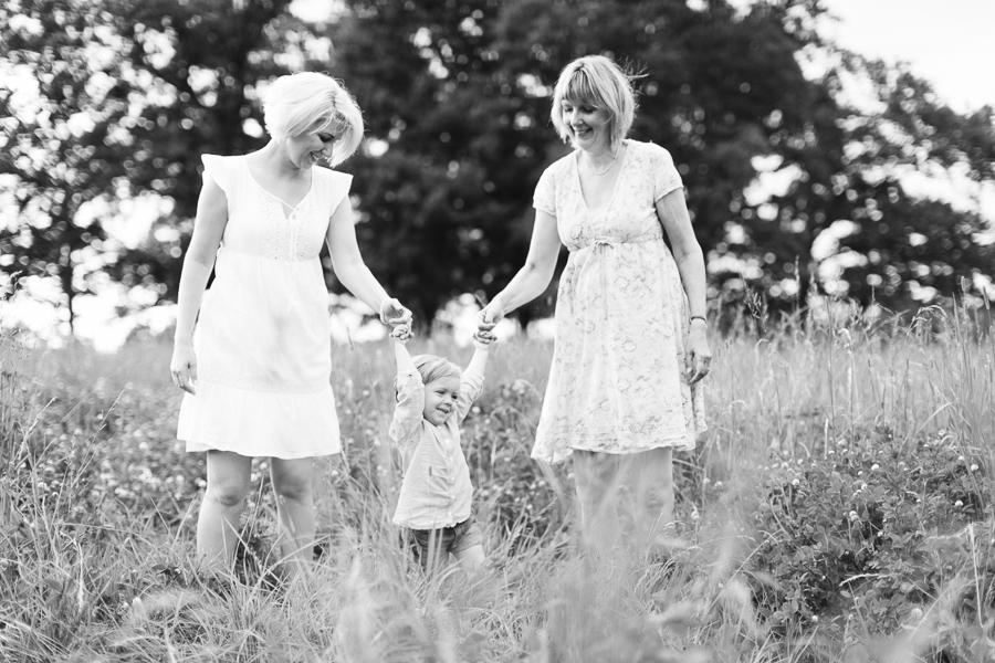 Mormor, mor och dotter - tre generationer
